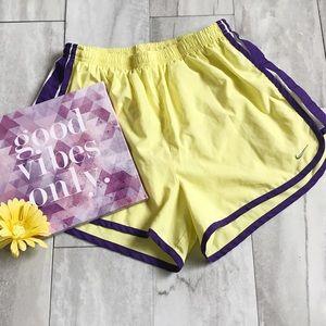 Nike Running Shorts Medium Women Yellow & Purple